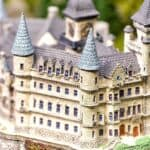 Best Realistic Castle Models - Review of 5 Amazingly Detailed Kits