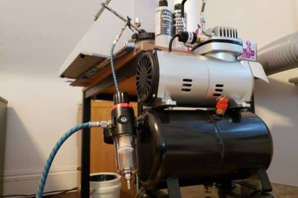 A Zeny Compressor For Airbrushing
